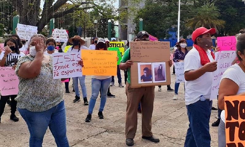 """Justicia """"ni una más"""", piden con marcha y a gritos en Tuxtepec (Oaxaca)"""