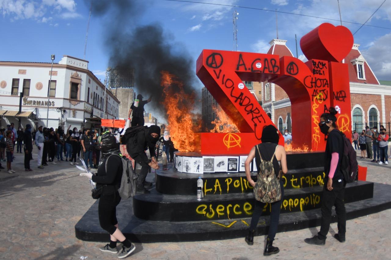 'La chota no nos cuida, mata', el grito de protesta contra la violencia policiaca (Ciudad Juárez)