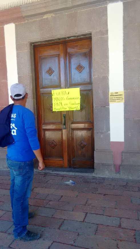 Pobladores de Santiago Mexquititlán toman presidencia municipal de Amealco (Querétaro)
