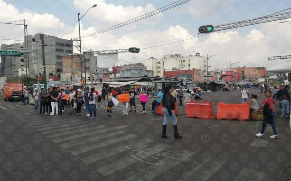 Protestan en colonia Guerrero por muerte de vendedor (Ciudad de México)