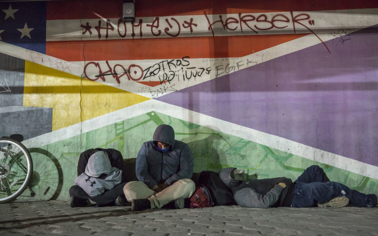 Hipernacionalismo, cierre de fronteras, deportaciones: así impacta la covid-19 a migrantes