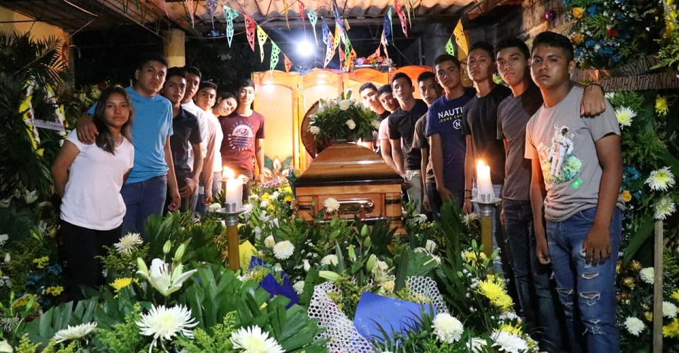 Jóvenes del pueblo donde murió Alexander están hartos del hostigamiento de la policía (Oaxaca)