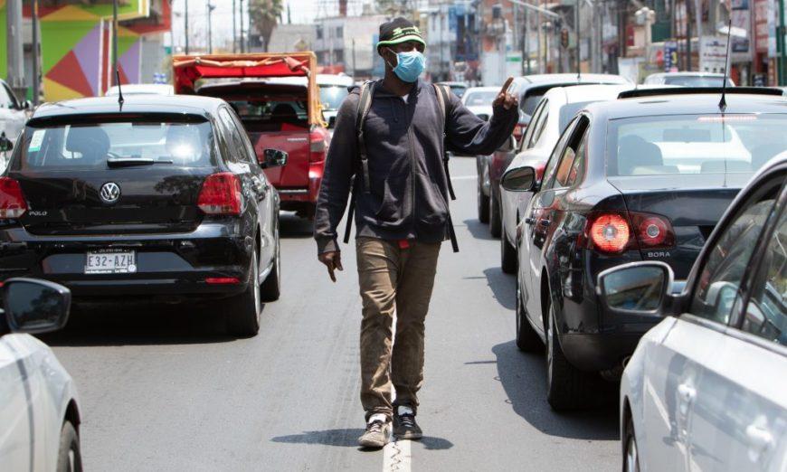 Desempleo y pobreza esperan a millones de migrantes que regresarán a sus países por pandemia: OIT