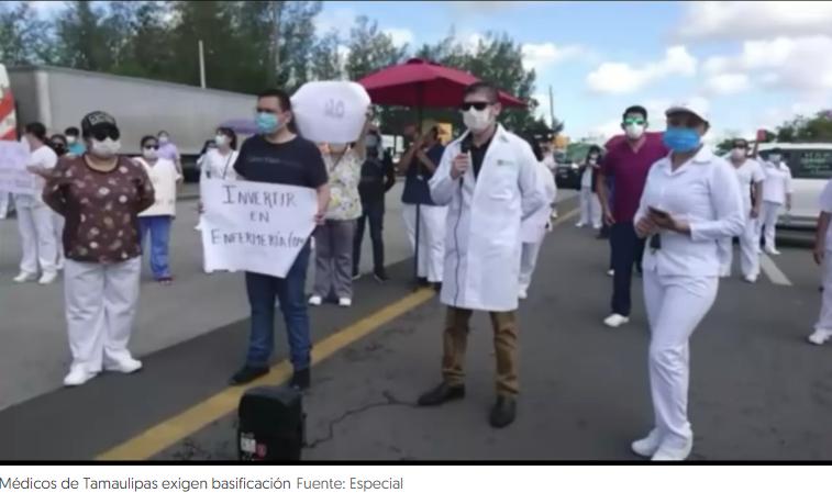 Médicos cierran carretera en Tamaulipas para exigir basificación