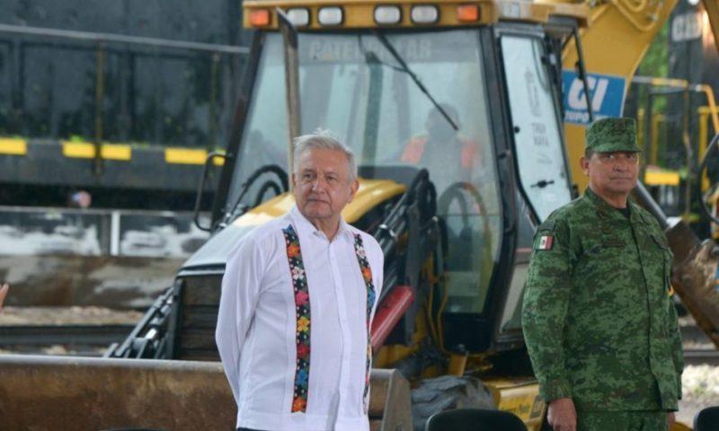 """""""No nos gusta que ustedes decidan por nosotros"""", dicen a AMLO opositores al Tren Maya"""