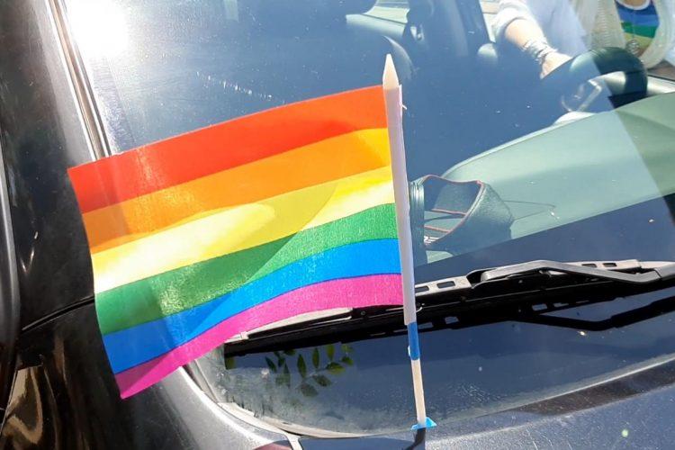 Celebran con caravana el Día del Orgullo Gay en Tijuana: Video (Baja California)