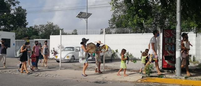 Protestan por desmonte de selva: Rechazan vecinos de 'Lol-Tun' construcción de supuesta Universidad en el norte de Playa del Carmen