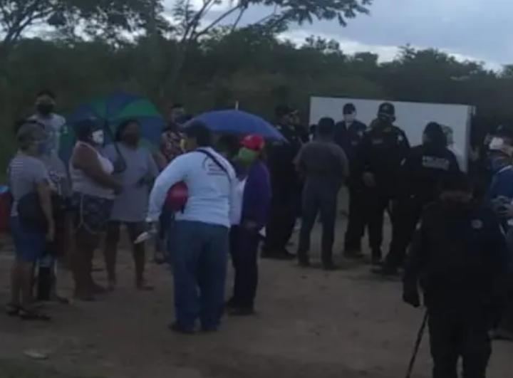 Vecinos realizan protesta por aguas contaminantes (Yucatán)