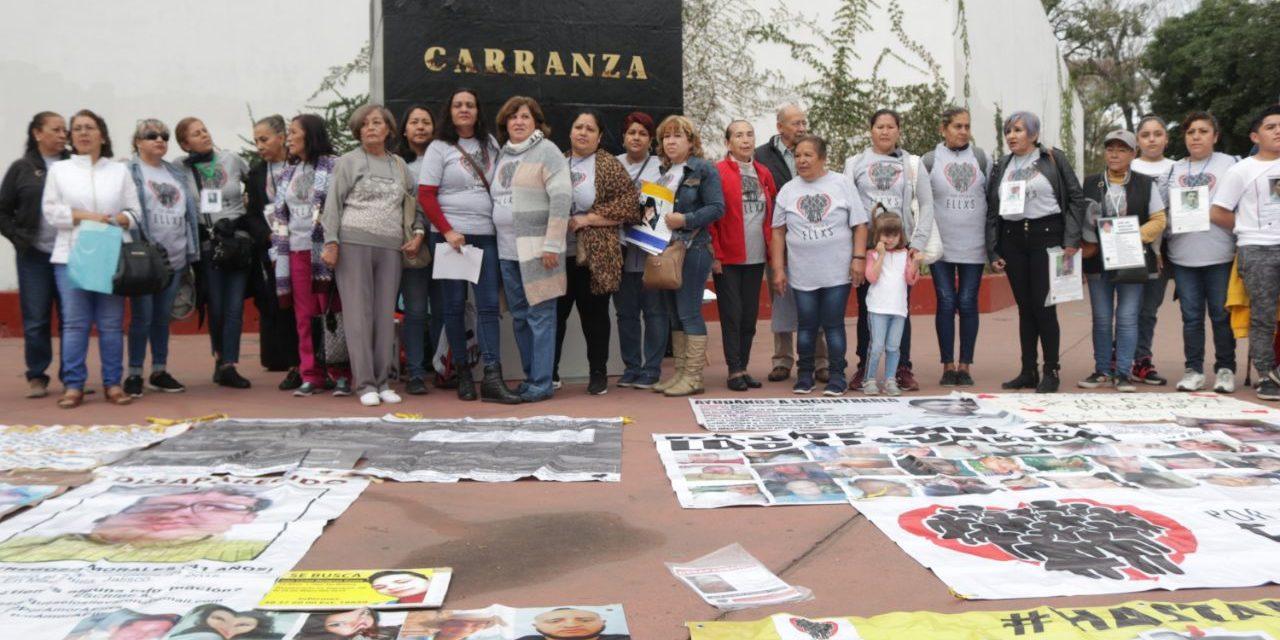 Familias y organizaciones rechazan la probación exprés de leyes de desaparición y atención a víctimas en Jalisco, clausurarán el congreso del estado como respuesta