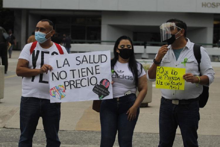 Pacientes renales protestan por falta de medicamentos (Jalisco)