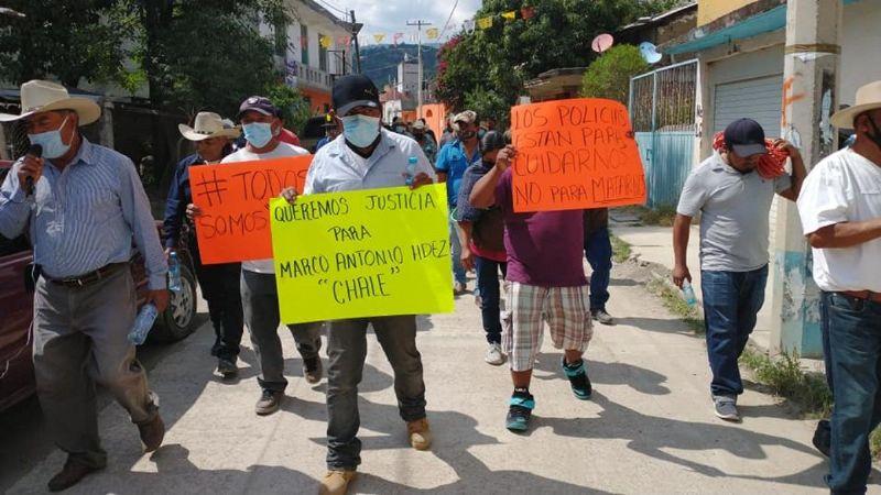 Acusan a policías de Oaxaca de asesinar a indígena mixteco (Oaxaca)