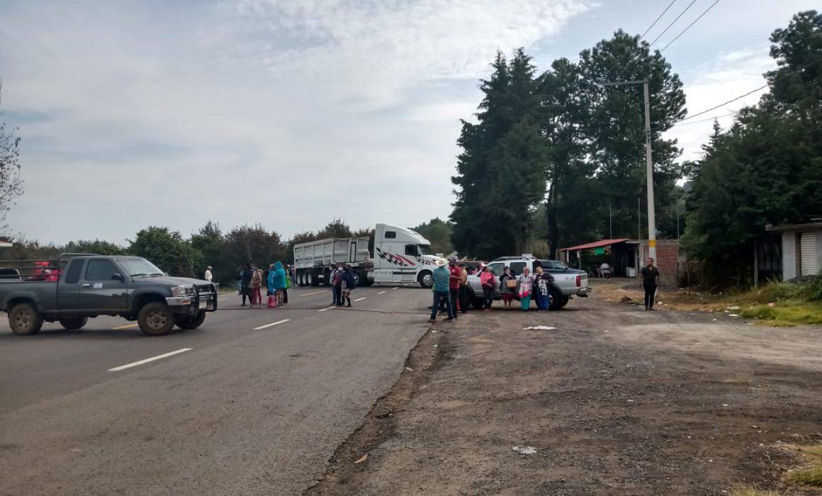 Consejo Supremo Indígena bloquea 4 puntos carreteros (Michoacán)