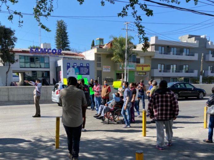 Pacientes del ISSSTE protestaron por suspensión de su tratamiento de hemodialisis (Jalisco)
