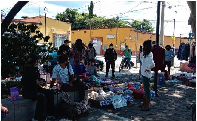 ¿Qué es el Tianguis Autogestivo y Disidente que la policía desalojó a golpes en Oaxaca?
