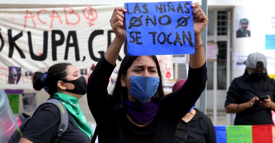 Madre acusa que Fiscalía de Durango no indaga presunto abuso sexual contra sus hijas