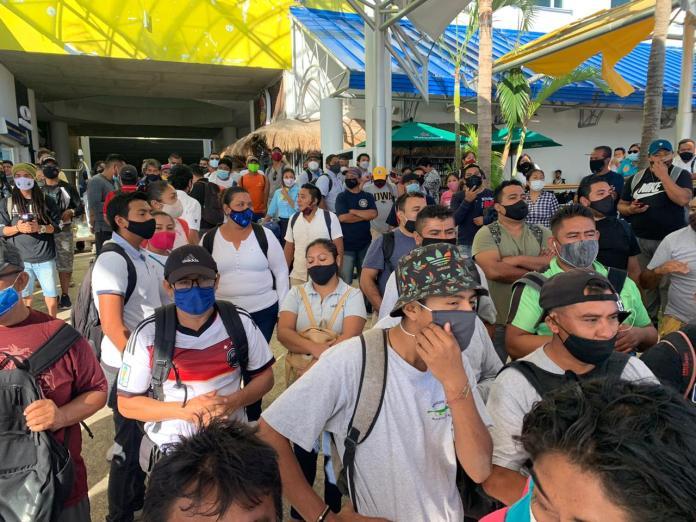 Estalla huelga en Ultramar e incomunican a Isla Mujeres: Suspenden trabajadores servicio de cruce en ferries en reclamo por la falta de pagos de la empresa