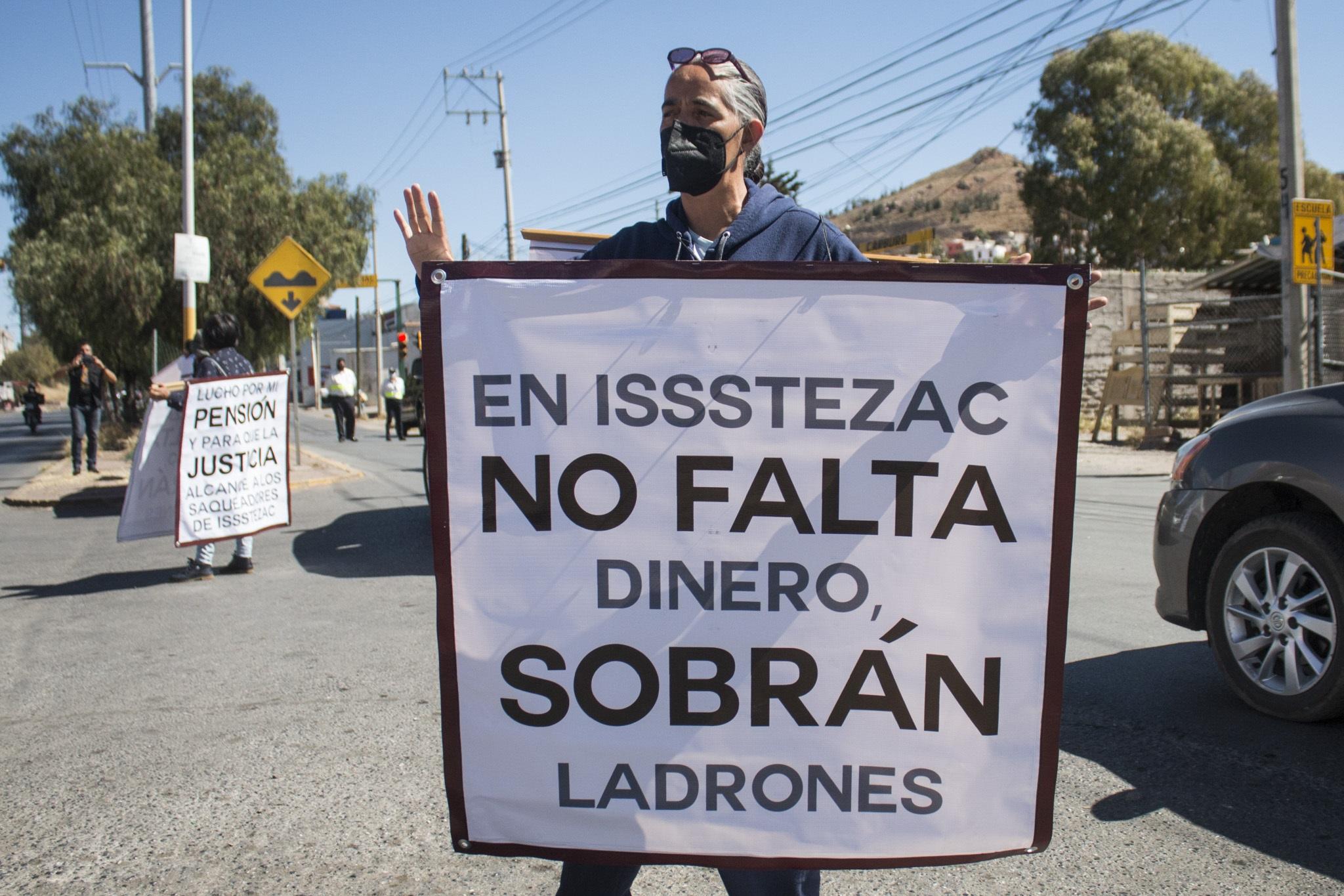 Protestan contra la reforma a Issstezac (Zacatecas)