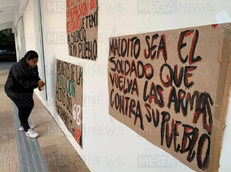 Feministas se manifiestan para recordar represión policial en Cancún