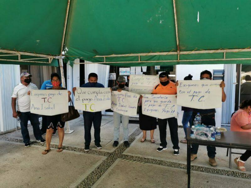 Denuncian maestros a la Secretaría de educación de Quintana Roo