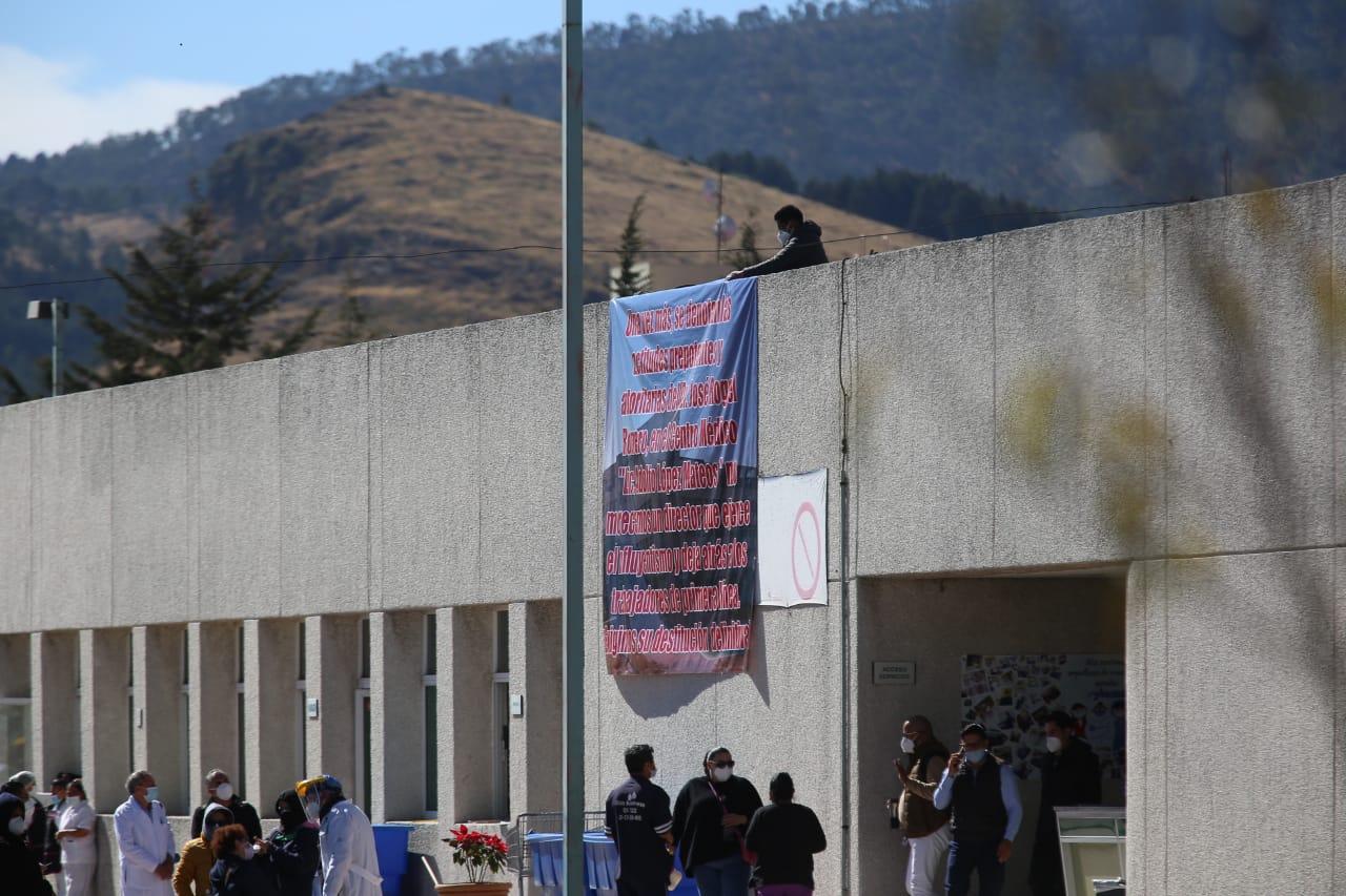Protestan por segundo día médicos del hospital López Mateos (Estado de México)