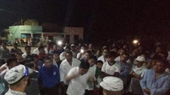 Sigue la tensión en Xocén; encierran a comisario municipal (Yucatán)
