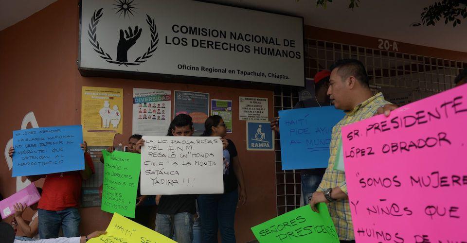 CNDH pide a visitadora dar 'explicaciones' por agresiones a migrantes