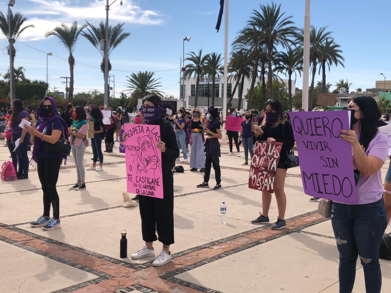 Plantones y marchas: mujeres de Baja California Sur conmemoran el #8M