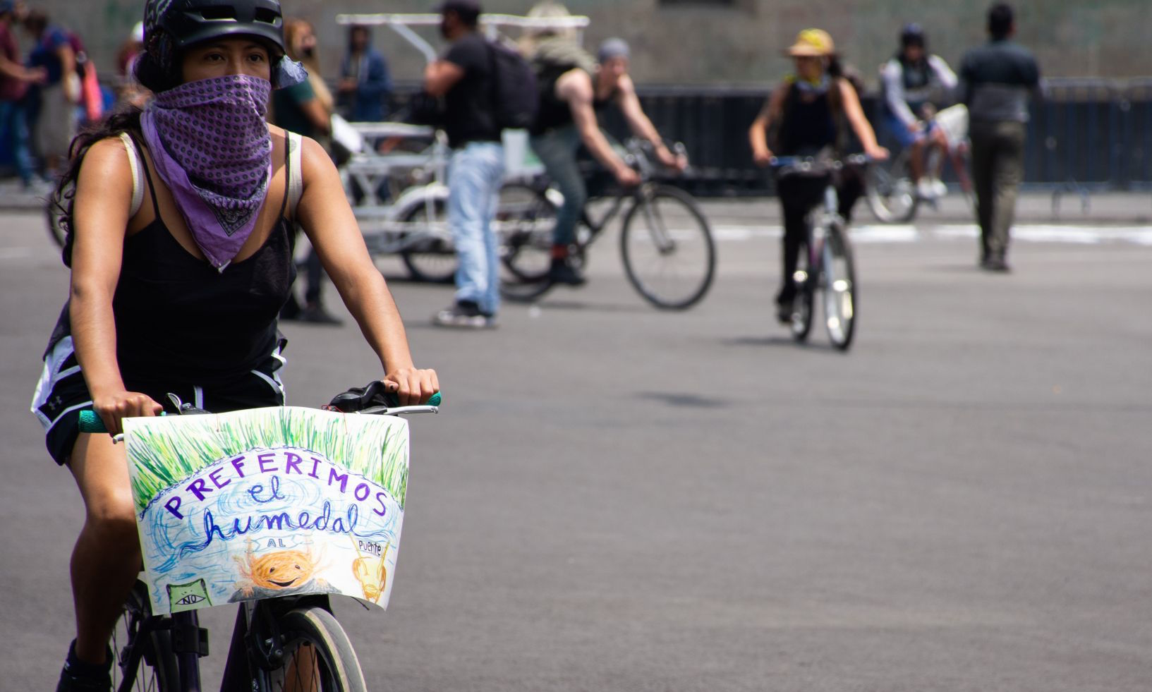 Ciclistas denuncian agresiones durante protesta #YoProtejoElHumedal, en Xochimilco (Ciudad de México)