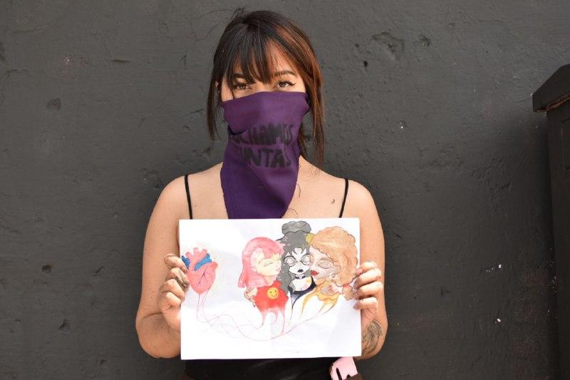 """No estás sola"": mensaje sororo e inclusivo en mural pintado por artistas feministas de Guadalajara (Jalisco)"