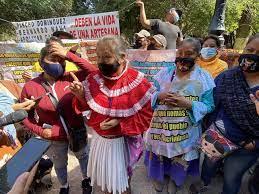 """""""Las autoridades no nos cumplen"""", protestan artesanos (Querétaro)"""