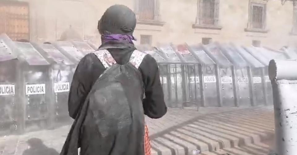 Mujeres marchan en CDMX para exigir justicia por feminicidios en QRoo