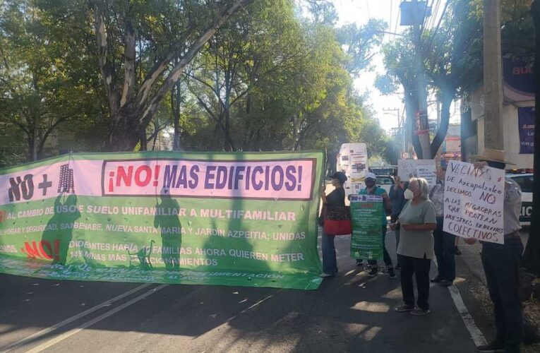 Vecinos de Azcapotzalco protestan contra construcción de mega obras (Ciudad de México)