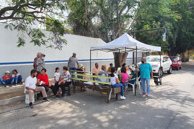 Vecinos de Tabachines suman 30 horas con toma de pozo, denuncian altos cobros y desabasto de agua (Jalisco)