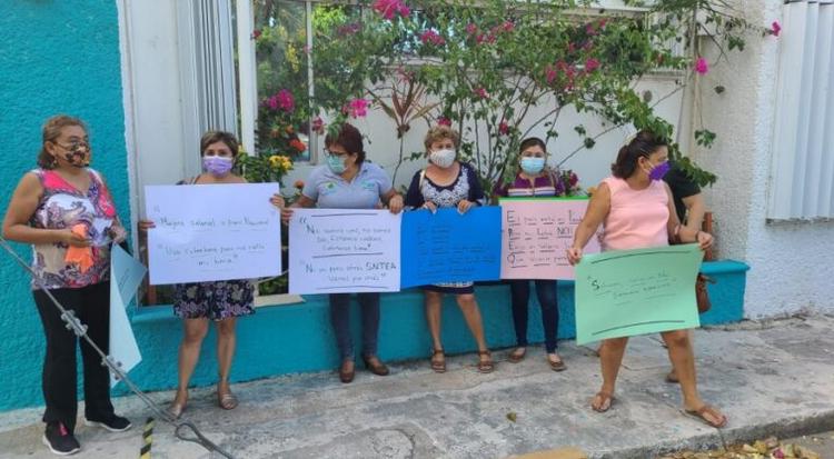 Sindicalizados del INEA se manifiestan en Chetumal por falta de respuesta a revisión del contrato colectivo (Quintana Roo)