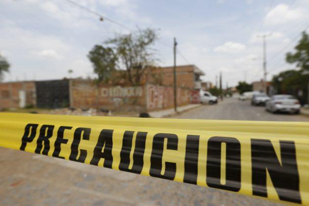 Suman 90 bolsas con restos humanos en fosa clandestina de Tonalá (Jalisco)