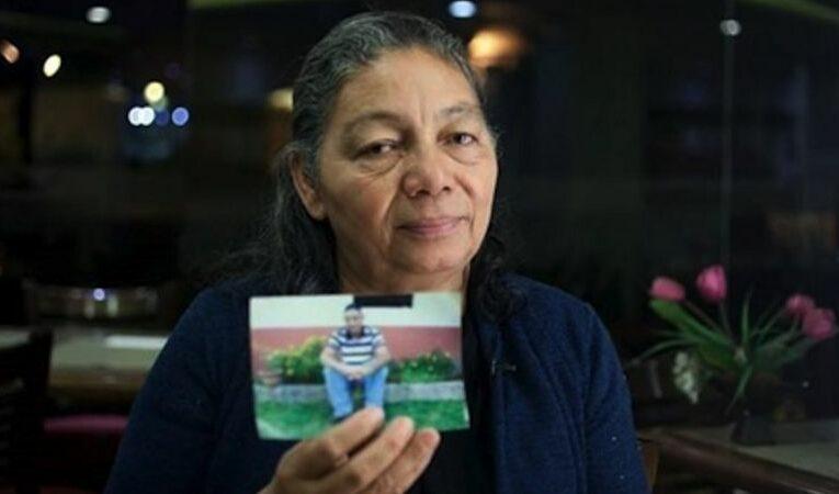 """""""México es una tumba, México es un robasueños"""": la carta de una madre a su hijo 10 años después de que apareciera muerto en una fosa clandestina (Tamaulipas)"""