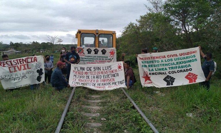 Ejidatarios de Mogoñé Viejo suspenden trabajos del Corredor Interoceánico (Oaxaca)