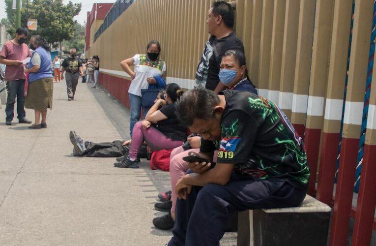 Pacientes de institutos de Salud denuncian falta de medicinas e insumos; hay retrasos en compra consolidada (Ciudad de México)