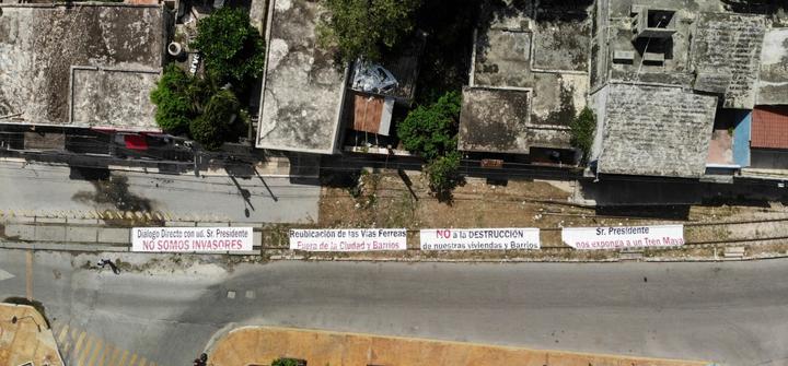 Mandan mensaje contra Tren Maya para que AMLO lo vea desde el aire (Campeche)