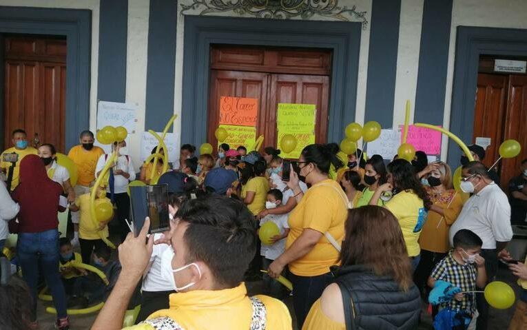 Con marcha exigen a ISSSTE en Nayarit medicamentos para enfermos de cáncer