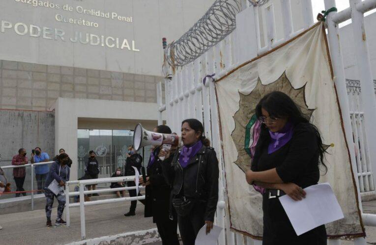 Se manifiestan Mujeres involucradas en el caso de pintas durante marcha el pasado 8M señalaron intimidación y acoso (Querétaro)
