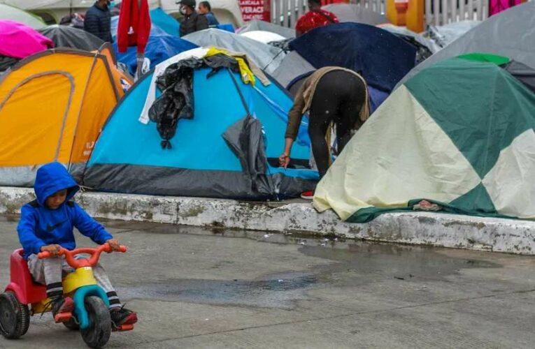 uHacinación, riesgo de contagio a Covid, sin medidas de seguridad y sanitarias; así viven miles en El Chaparral (Baja California)