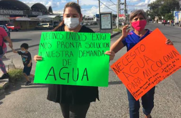 Colonos bloquean vialidades en capital de SLP; exigen agua potable