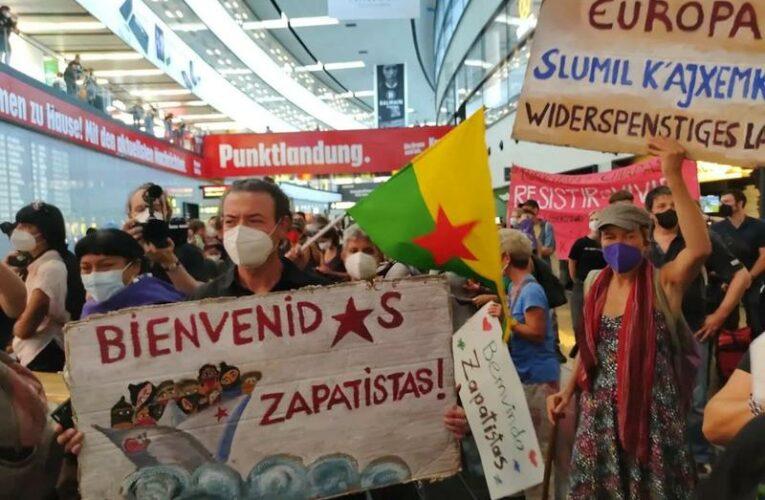 Comienza la gira zapatista por Europa con la llegada de 170 mujeres, hombres, niños y niñas de pueblos mayas de Chiapas