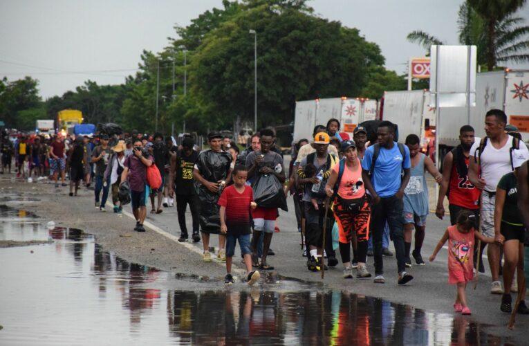 Otro operativo agrede y amenaza a migrantes, activistas y periodistas en Mapastepec, Chiapas