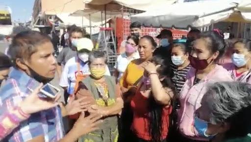 Comerciantes, inconformes por reordenamiento frente a Mercado Hidalgo, en Celaya (Guanajuato)