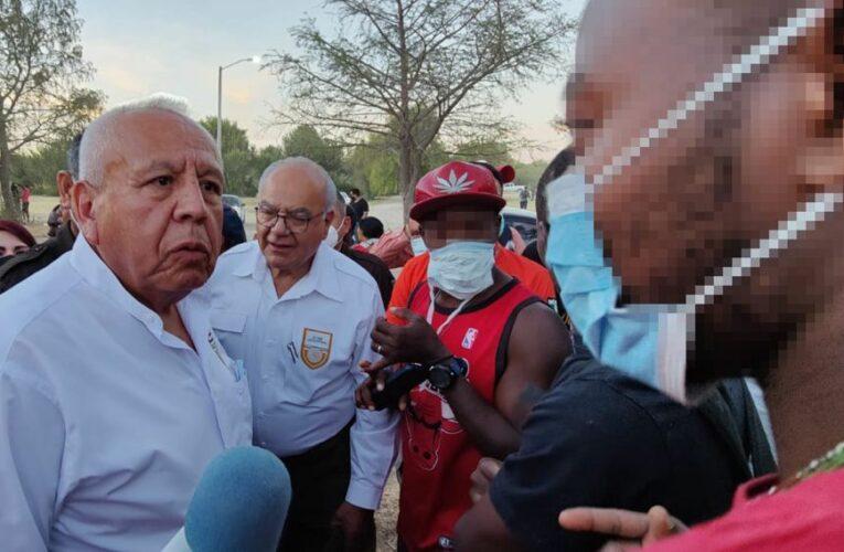 """""""Hasta en el cielo hay control migratorio"""", dice titular de INM sobre migrantes haitianos en México"""